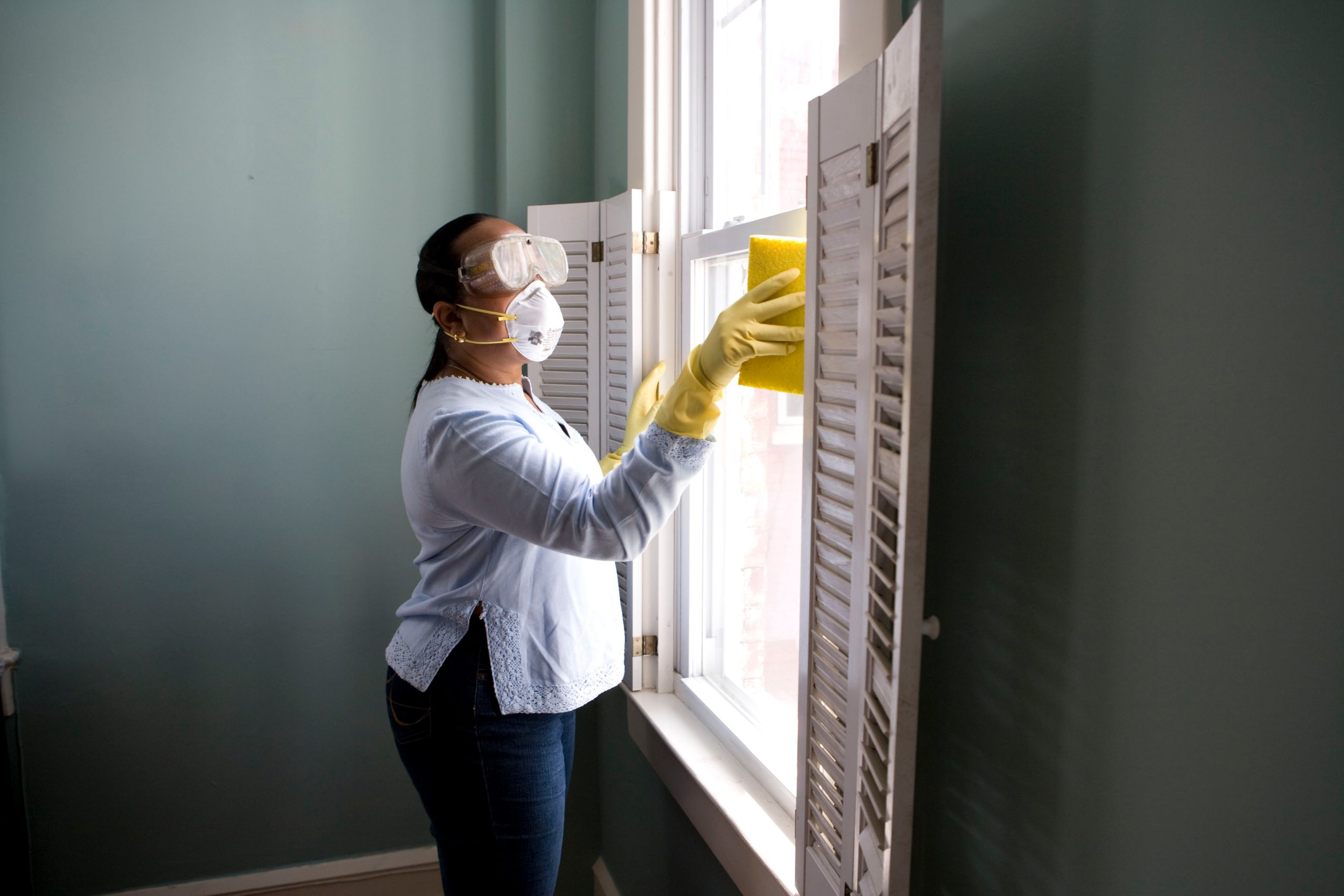 Keeping Your Blinds And Shutters Clean